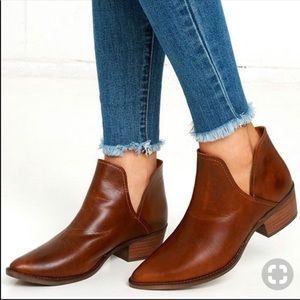 STEVE MADDEN AUSTIN COGNAC LEATHER ANKLE BOOTIES